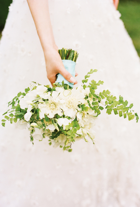 white-wedding-bouquets-Scabiosa-Bouquet